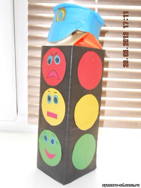 Светофор своими руками для детского сада фото